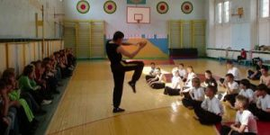 В России разработали курс самообороны для учителей и школьников