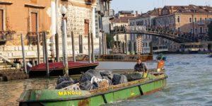Венеция спасает себя от туристического мусора