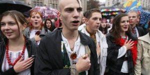 Во Львове запретили петь по-русски