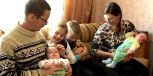 Юрий Крупнов предлагает платить в России семьям с четырьмя детьми по 100 тысяч рублей в месяц