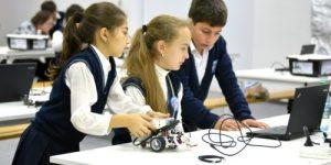 В Госдуме обсудят введение в школьную программу уроков робототехники