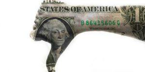 Слабый доллар может привести к негативным последствиям для Америки