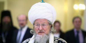 Верховный муфтий РФ: для главных праздников ислама мечеть не обязательна