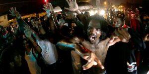 Бумеранг «цветной революции» вернулся в Америку. США превращаются в Украину и приближают свой Майдан