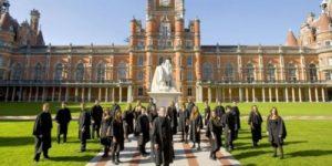 Российским студентам в Великобритании предложили перевестись в МГИМО