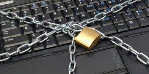 Законопроект о контроле соцсетей может привести к зачистке любой «неофициальной» информации