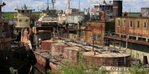 90-е: уничтожение речного транспорта