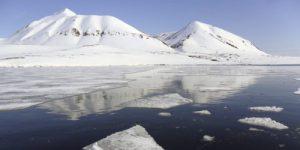 Ученые нашли причины разной скорости таяния льда в евразийской и американской Арктике