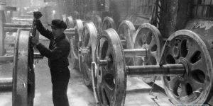 16 октября 1927 года в СССР было объявлено о постепенном переходе к 7-часовому рабочему дню.