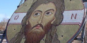 В Хакасии освятили уникальную икону почти в полтонны весом