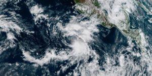 В Тихом океане зарождается тропический шторм «Рэймонд»