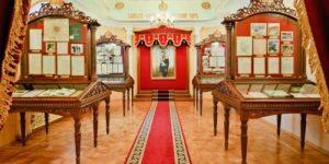 В Екатеринбурге приглашают посетить выставку уникальных экспонатов из жизни Царской Семьи