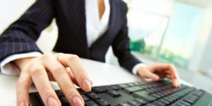 Офисных работников вытесняют с рынка труда инженеры