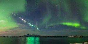 В небе над Землей можно наблюдать метеорный поток Лириды