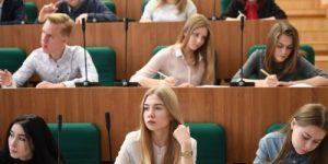 На Урале вузам запретили участвовать в проектах с дипломатами США