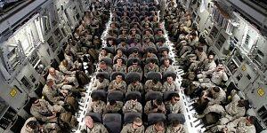 Столтенберг сообщил о рекордном количестве военных США в Европе