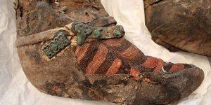 Раскрыта тайна 1100-летней мумии в адидасовских «кроссовках»