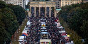"""70 лет после провозглашения ГДР: что осталось от """"осси""""?"""