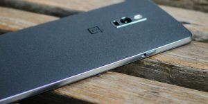 Производитель смартфонов признался в тотальной слежке за пользователями