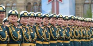 """Армейские порядки и """"образец женского поведения"""": Как у Шойгу растят """"поколение, о котором мы мечтали"""""""
