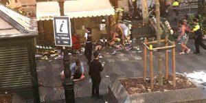 Наезд на толпу в центре Барселоны: есть погибшие, ранены до 100 человек. Террористы в Камбрильсе повторили барселонскую атаку