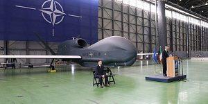 Столтенберг: у НАТО есть способные заглянуть вглубь РФ беспилотники