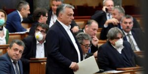 В Венгрии запретят менять половую принадлежность. У «правозащитников» истерика!