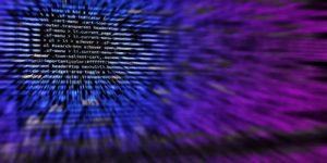 Россиян предупредили о массовой кибератаке на банковские счета в мае