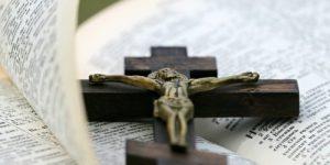 Три искушения в пустыне и на кресте