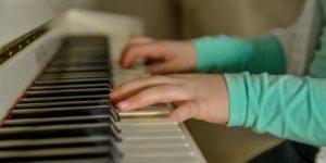 Ученые рассказали, что влияет на успеваемость детей