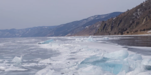 Почему на Байкале возникают камни на «ножках» изо льда?