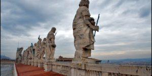 «Ватикан вновь хочет говорить миру языком железа и крови»