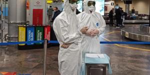 Спецкор «КП» Дарья Асламова: Мой самолет из Пекина в «Шереметьево» встретили люди в скафандрах